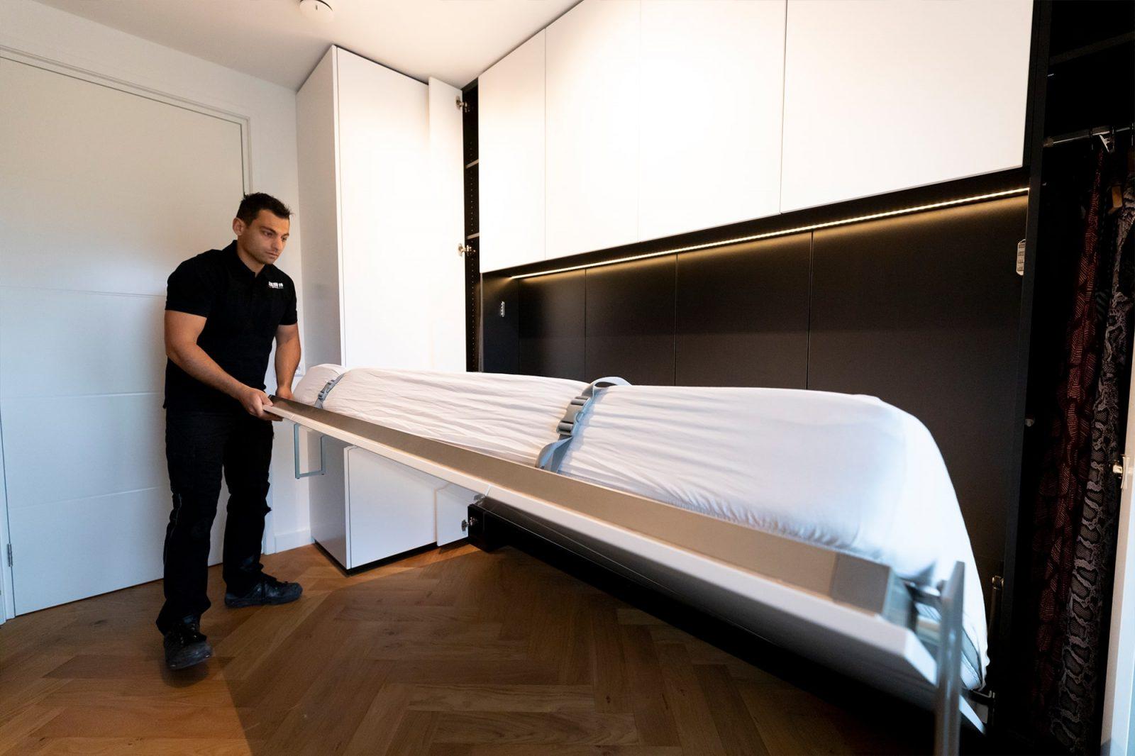 witte garderobekast gemaakt door interieurbouwers rotterdam atelier 19