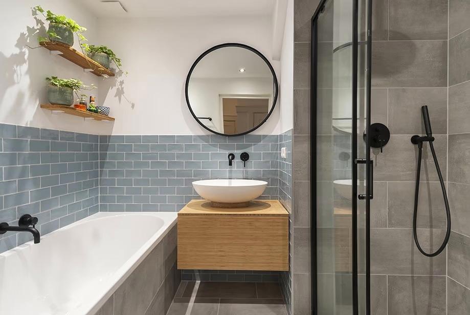 Badkamer meubel gemaakt door interieurbouwer Delft