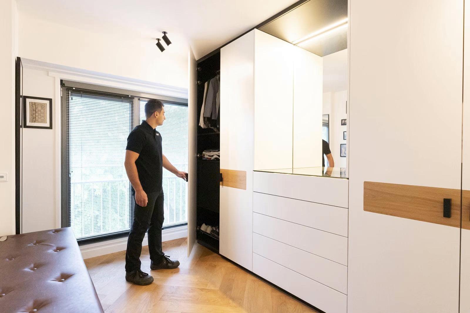 garderobe kast op maat gemaakt door meubelmaker Zoetermeer