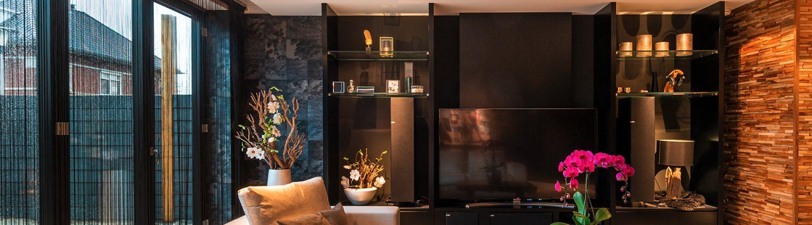 Tv meubel op maat laten maken door interieurbouwer Rhoon
