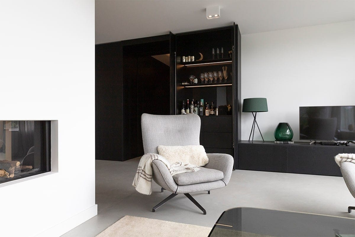 Atelier19 Zwarte Op Maat Kastenwand op gemaakt door meubelmaker Spijkenisse