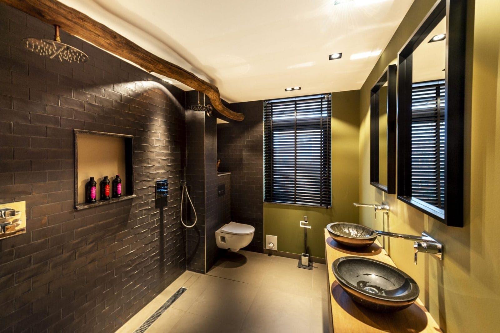 Interieurbouwer Gouda Die Een Bruine Badkamer Hebben Gemaakt